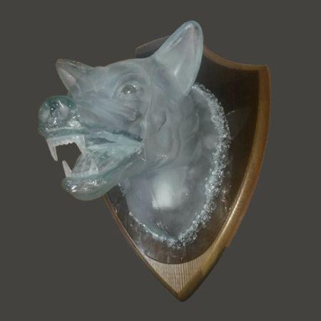 стеклянная голова волка